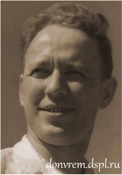 М. А. Шолохов. Август 1938 г. Фото Г. Петрусова